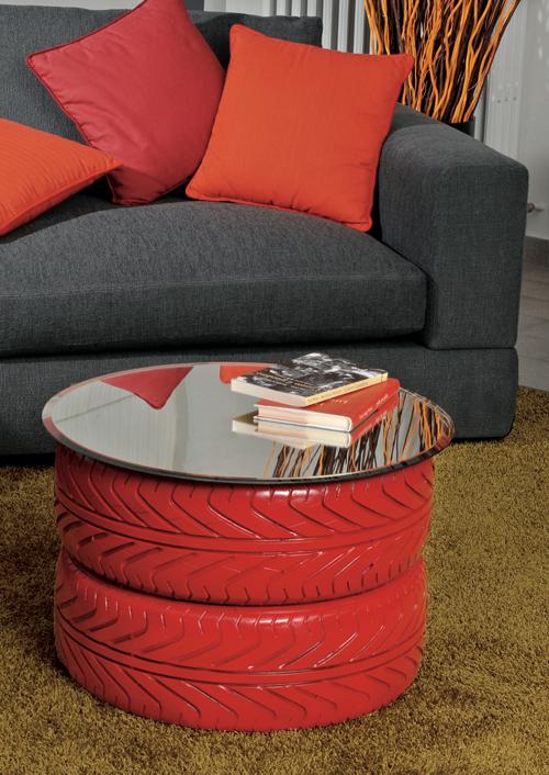 tavolino con pneumatici