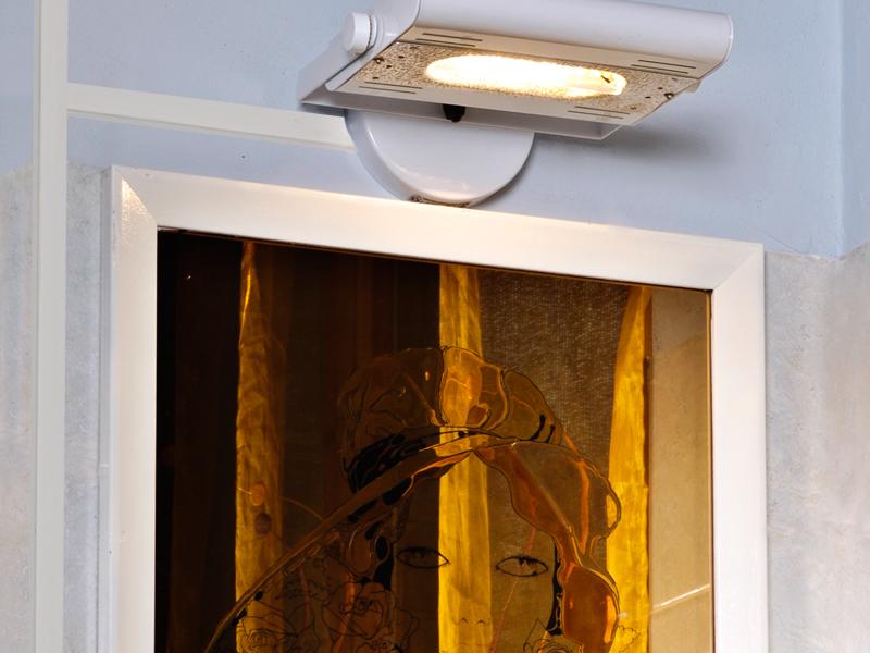 Punto luce con canalina esterna bricoportale fai da te - Elettricita in casa ...
