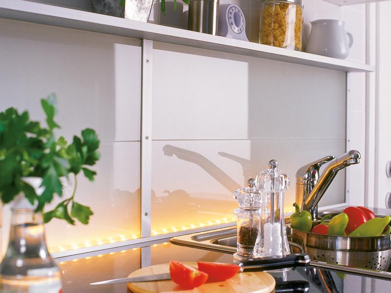 Piano della cucina illuminato