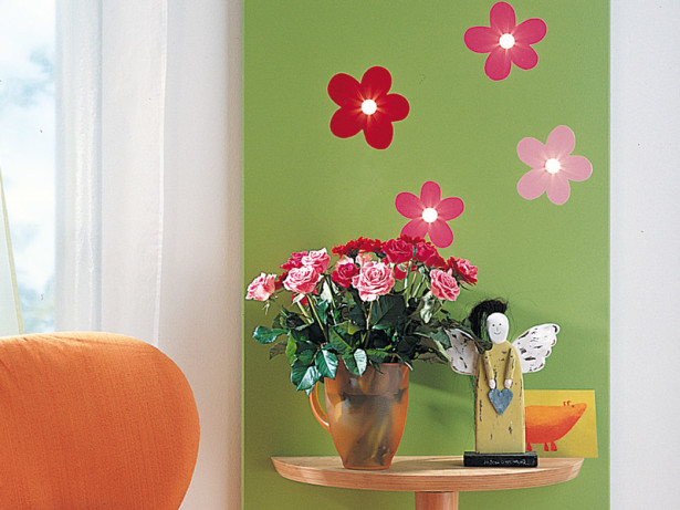 Pannello luminoso | Come decorarlo con faretti e consolle
