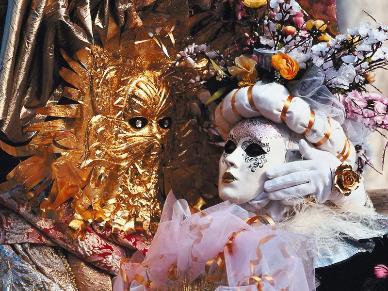 Come realizzare le maschere veneziane
