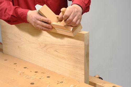 Come eseguire la piallatura con la pialla manuale