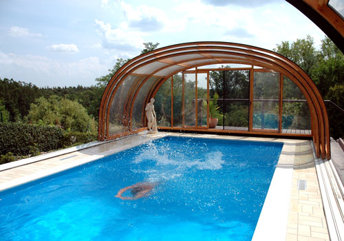 Copertura piscine per utilizzare la piscina tutto l 39 anno - Piscina fai da te interrata ...