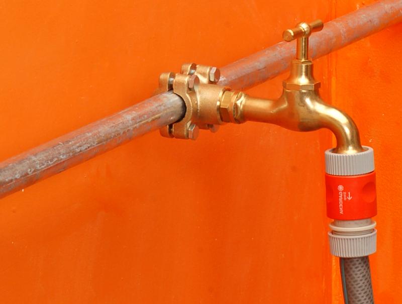 Nuovo rubinetto con derivatore bricoportale fai da te e for Bricoportale