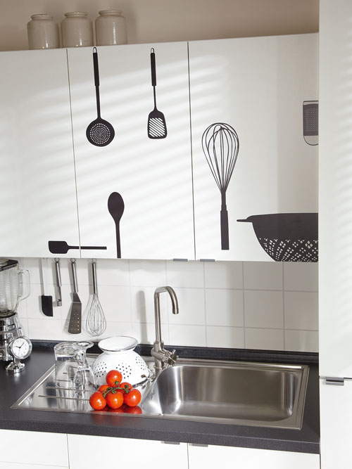 Cucina bricoportale fai da te e bricolage for Scritte adesive cucina