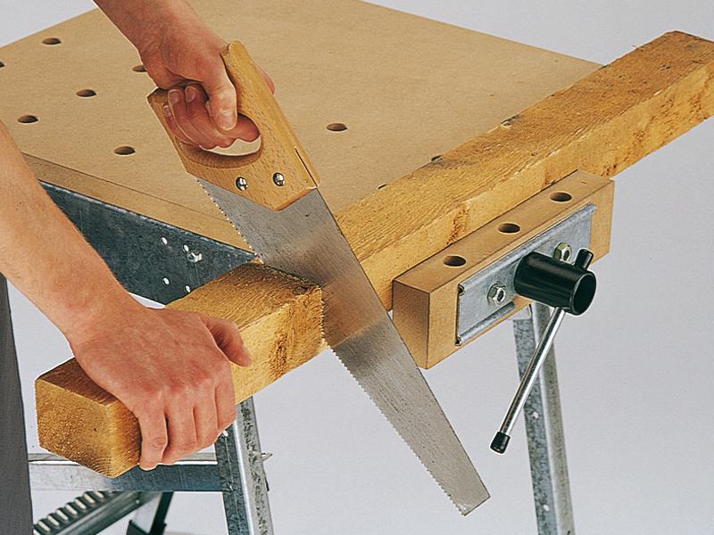 Come usare il segaccio a mano