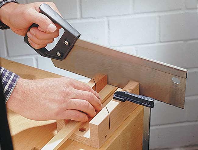 lavorare-il-legno-a-mano