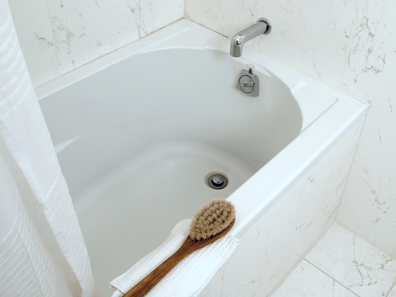 Rivestimento vasca da bagno come intervenire for Vernice per vasca da bagno