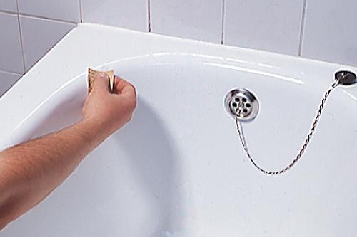 Rivestimento vasca da bagno come intervenire bricoportale fai da te e bricolage - Smalto per vasca da bagno ...