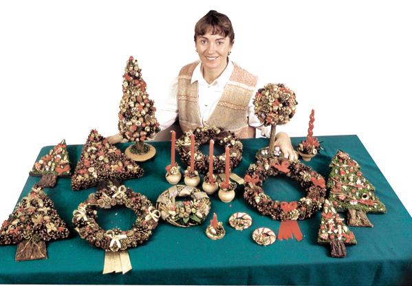 Ghirlande natalizie con colla a caldo bricoportale fai for Ghirlande natalizie di carta