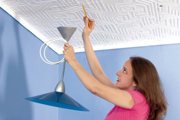 Come installare un lampadario a sospensione con i tasselli