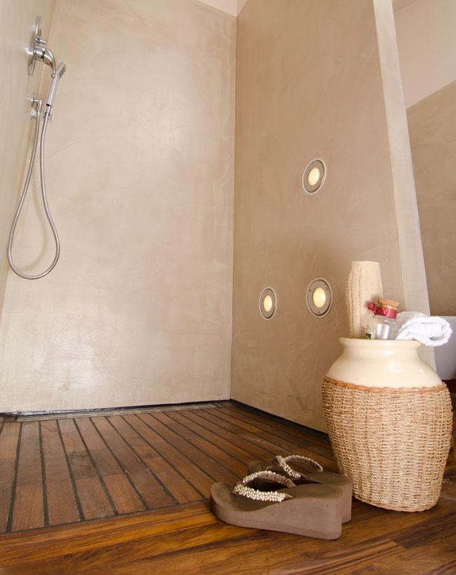 Legno teak per la doccia a filo bricoportale fai da te e bricolage - Doccia a pavimento mosaico ...