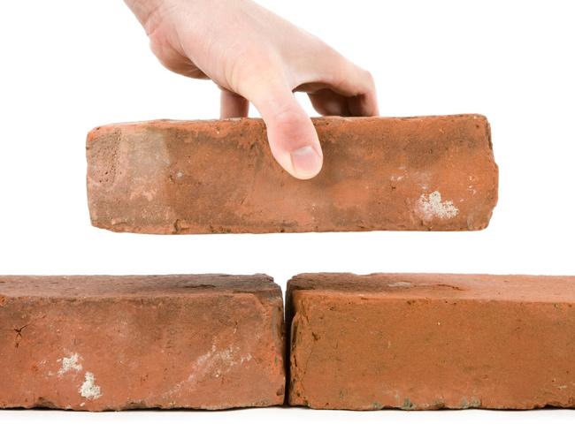Mattoni forati e mattoni pieni bricoportale fai da te e for Costo di costruzione casa di mattoni