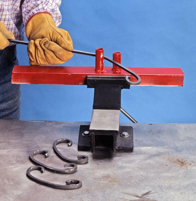 Come lavorare il ferro battuto bricoportale fai da te e for Piega lamiera fai da te