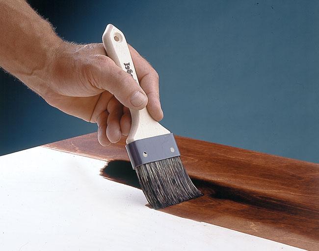 stendere mordente legno