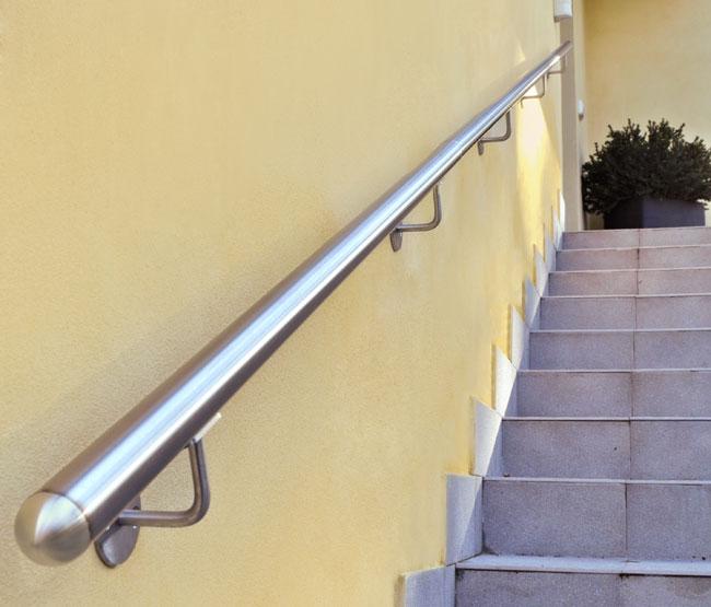 Installare un corrimano bricoportale fai da te e bricolage - Corrimano in vetro per scale ...
