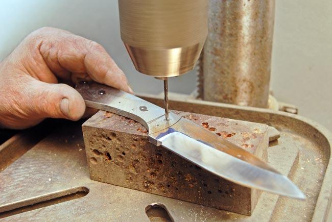 Costruire un coltello artigianale | Tutti i passaggi