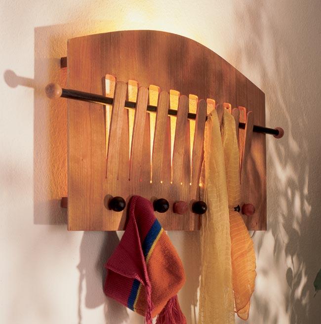 Idee per appendiabiti da parete happyvoting - Parete in legno fai da te ...