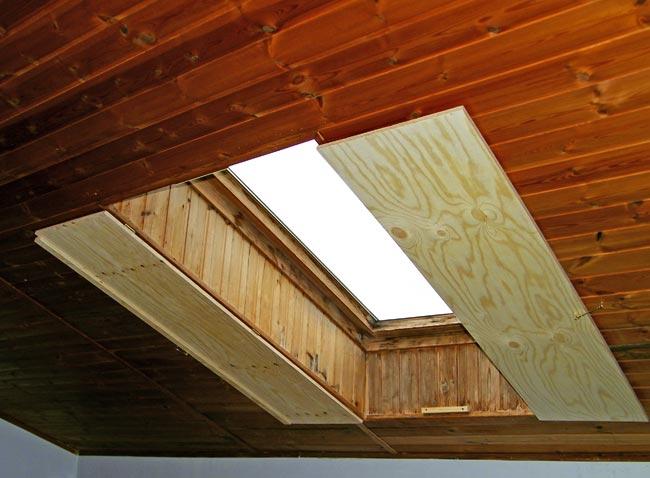 Antine fai da te oscuranti in legno per finestra da tetto