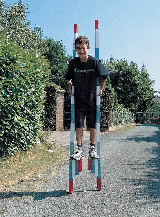 costruire trampoli, trampoli per bambini