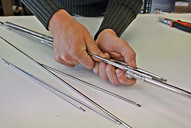 assemblaggio stecche ombrello