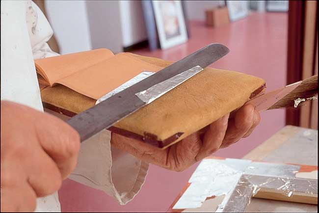 coltello per foglia oro