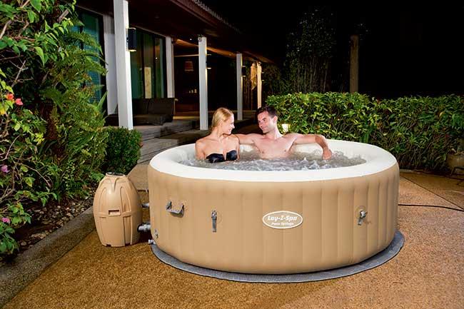 Spa in casa come installare le piscine lay z spa bestway - Piscina jacuzzi hinchable ...