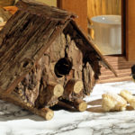Casetta per uccelli di corteccia