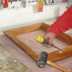 Come installare attaccaglie per quadri robuste e durevoli