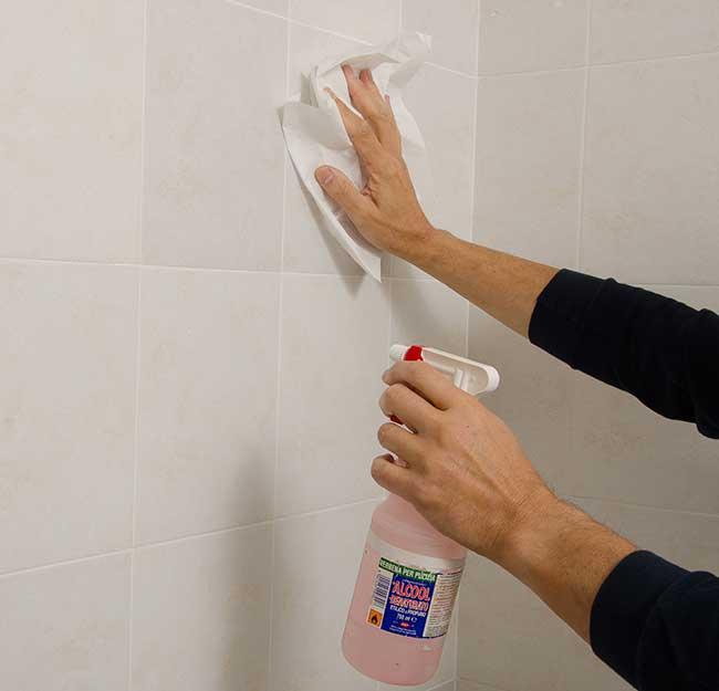 sgrassare la doccia
