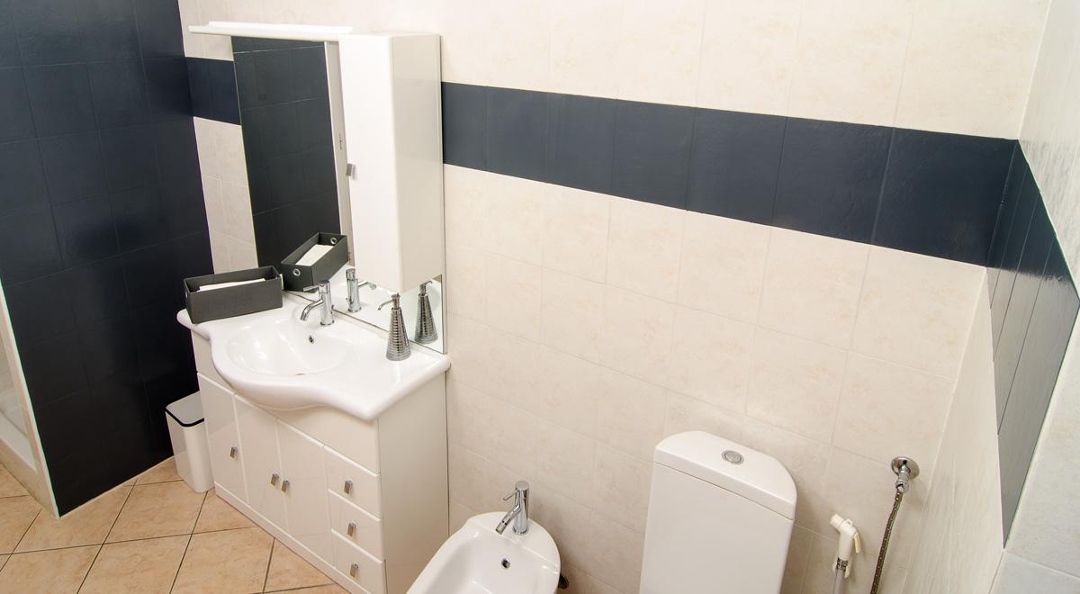 Smalto per bagno gapi come rinnovare un locale in 12 mosse - Rinnovare il bagno ...