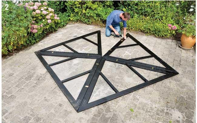 applicazione cerniere per telaio tetto
