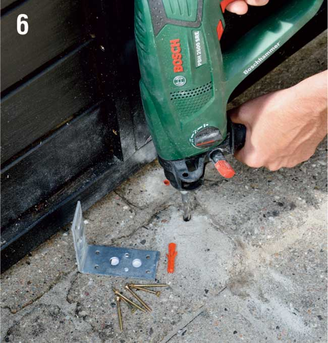 fissaggio piastre angolari a pavimento