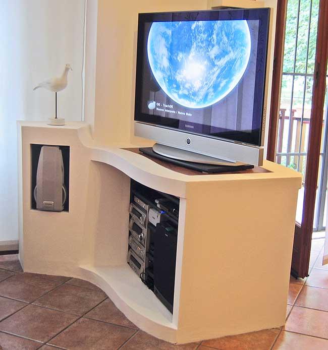 supporto per tv con cartongesso curvato