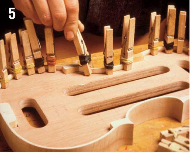 come si costruisce un violino
