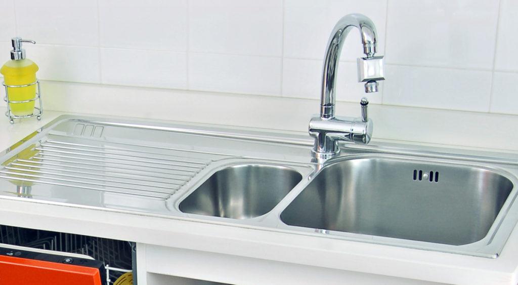 Come installare il lavello e il rubinetto da cucina bricoportale - Rubinetto per lavello cucina ...