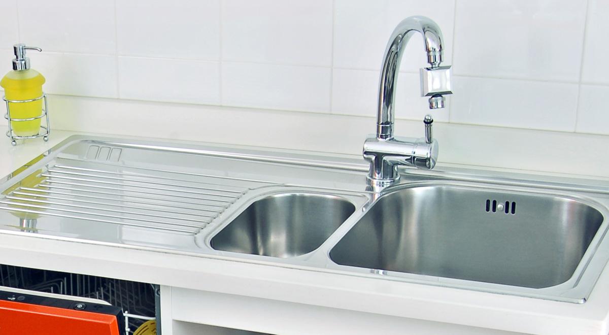 Come installare il lavello e il rubinetto da cucina - Bricoportale
