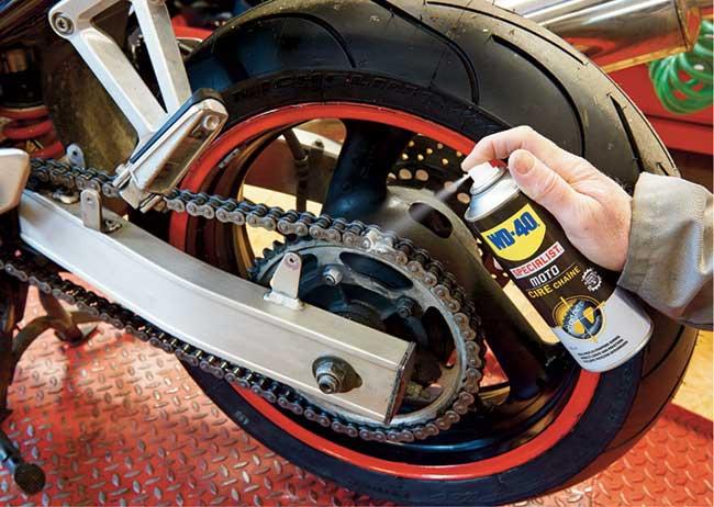 catena moto  Manutenzione moto della catena, freni, pulizia e lubrificazione