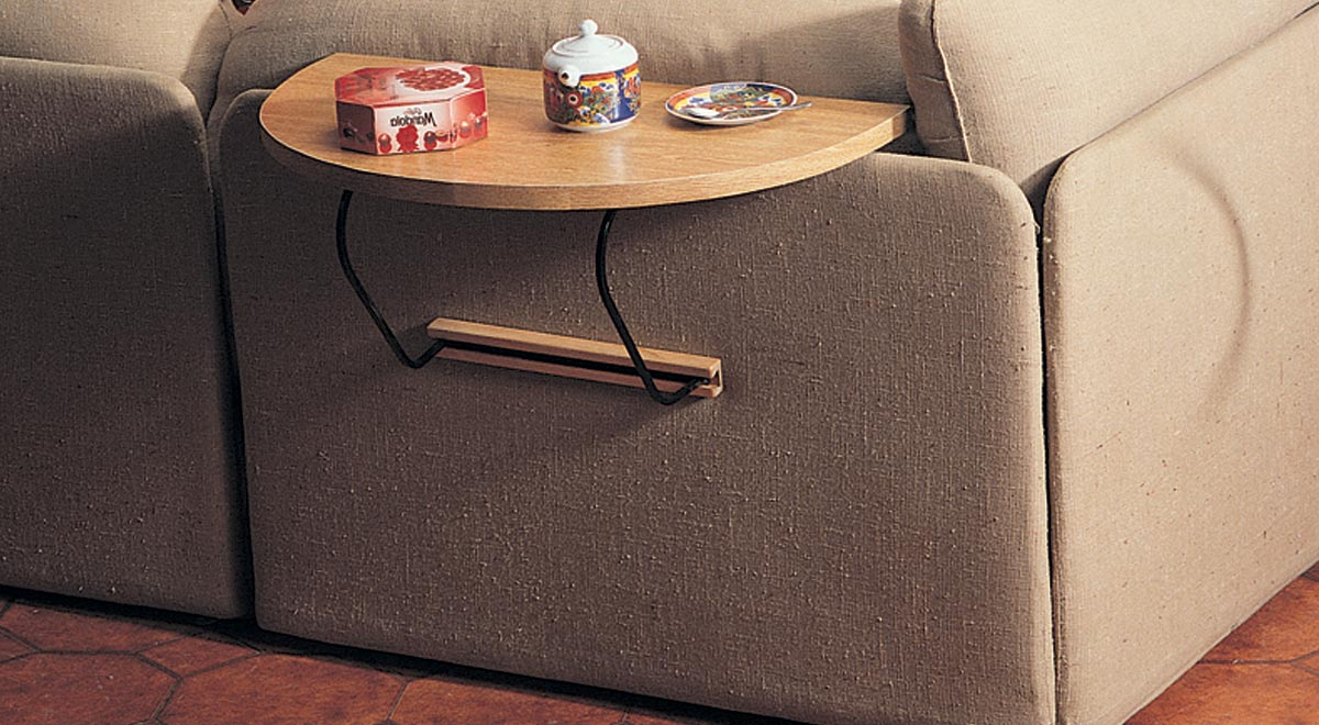 Tavolino per divano fai da te bricoportale fai da te e for Piani di casa fai da te