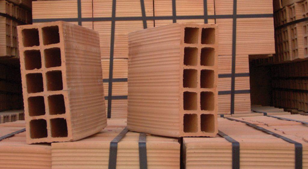 Camini In Mattoni Rossi : Mattoni forati e mattoni pieni tipologie e utilizzo nei dettagli