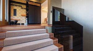 Come rivestire una scala con legno - Come arredare una scala interna ...