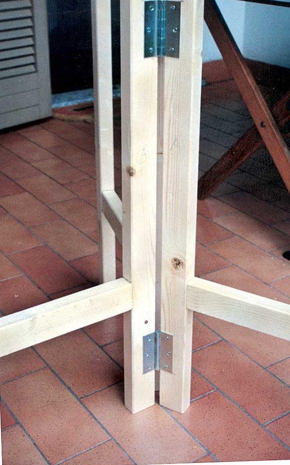 tavolo pieghevole autocostruito in legno - bricoportale.it