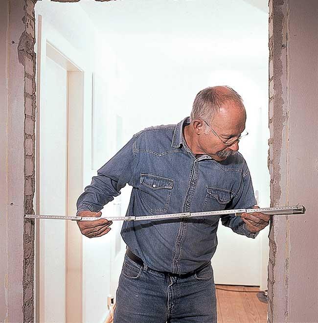 Come montare una porta interna - Montare porta scorrevole ...