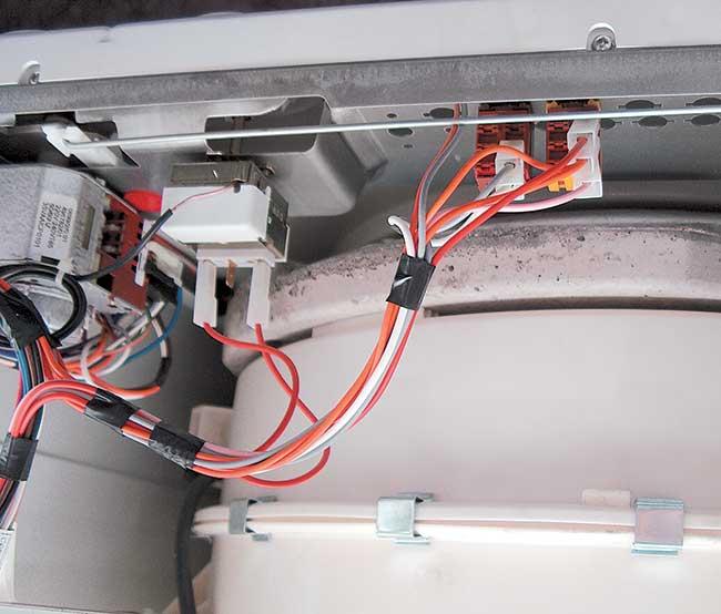 Schema Collegamento Motore Lavatrice 7 Fili : Lavatrice non si accende cosa fare per farla ripartire