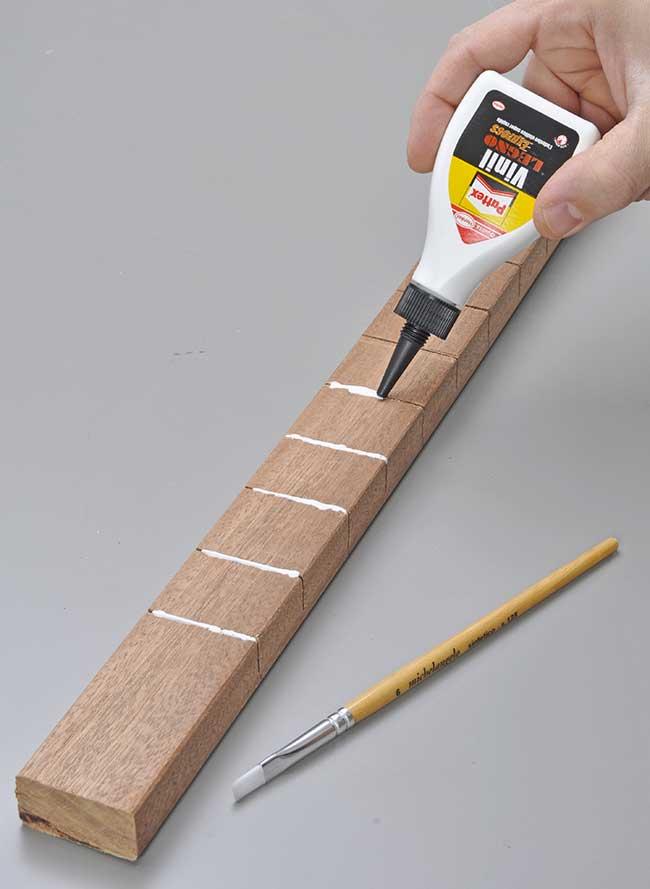 piegatura con intaglio legno
