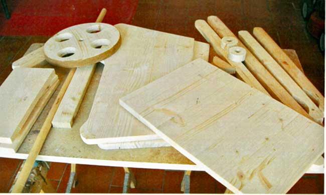 Carriola in legno fai da te fioriera come costruirla con for Costruire fioriera legno