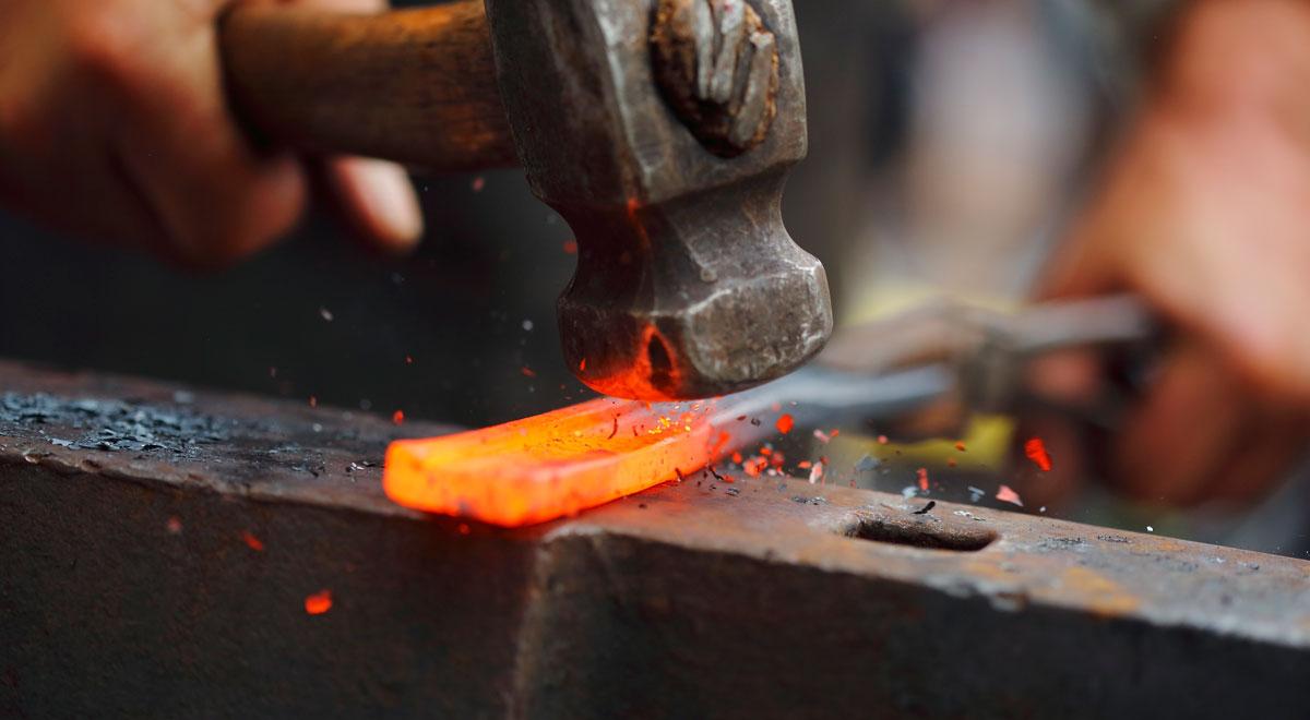 forgiare il ferro