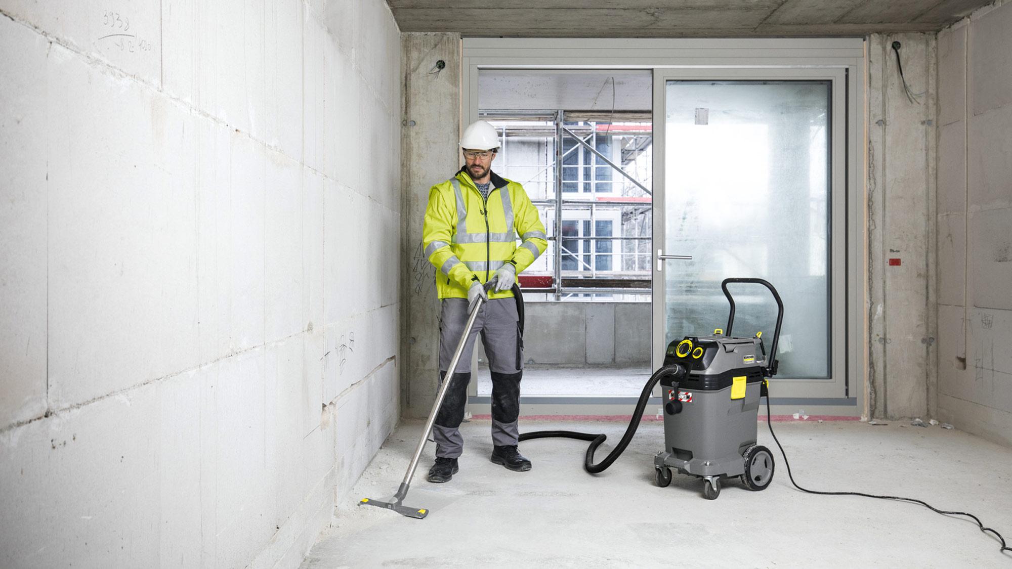 Una nuova barriera contro la polvere edile | Nuovi aspiratori Kärcher NT