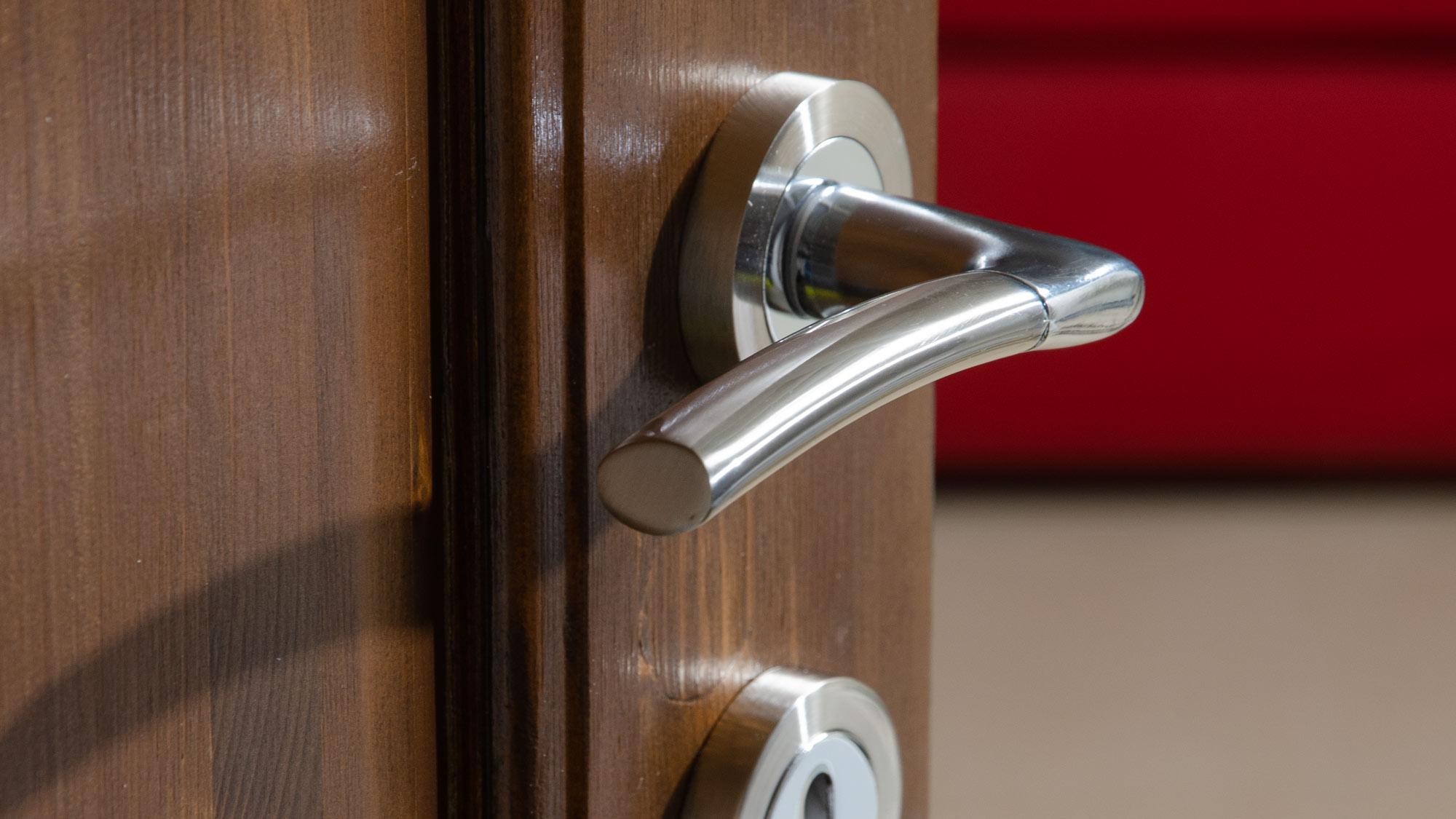 Nuove maniglie per porte facili e veloci | Sacar
