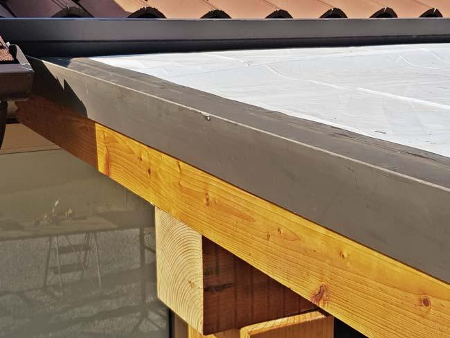 scossalina tettoia in legno